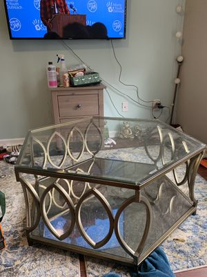 Glass top gold coffee table for Sale in Buford, GA