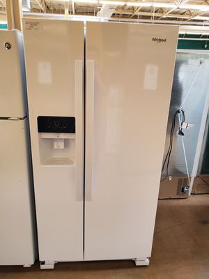 Whirlpool Side By Side Refrigerator for Sale in Walnut, CA