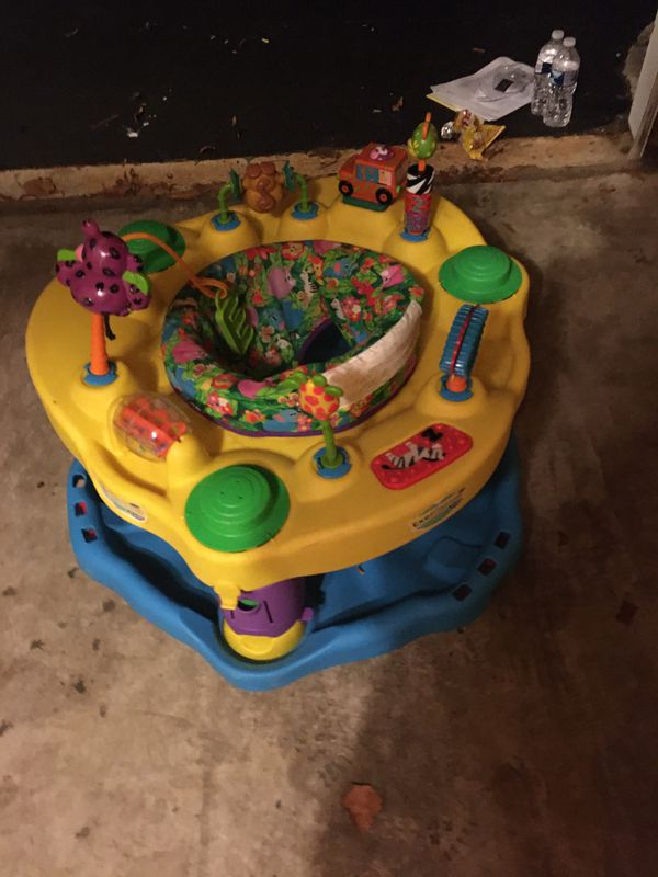 Baby jumper activity centers