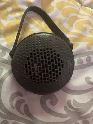 Black web speaker Bluetooth & charger for Sale in El Paso, TX