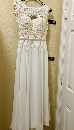 White A-line Lace Scoop Neck Party/Wedding Dress Size 2 for Sale in San Antonio, TX