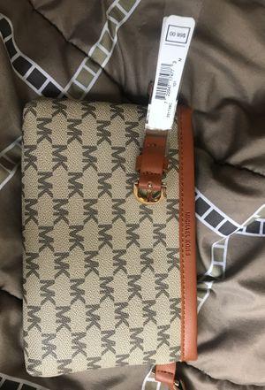 Michael Kors Waist Bag for Sale in Charlotte, NC