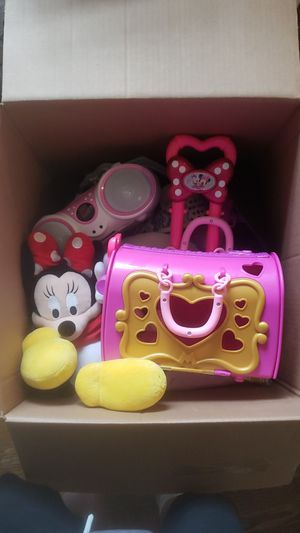 box of misc girls toys, Jensen, disney, hello kitty for Sale in Monroe, WA