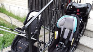 BABY TREND Infant car seat & HARMONY for Sale in Paramount, CA