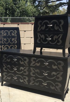 Beautiful black and gold 6 drawer dresser with 1 night stand and mirror and headboard used but in ok condition(all drawers open n close for Sale in Fontana, CA