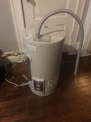 Bradford White 12 gallon water heater for Sale in Chicago, IL