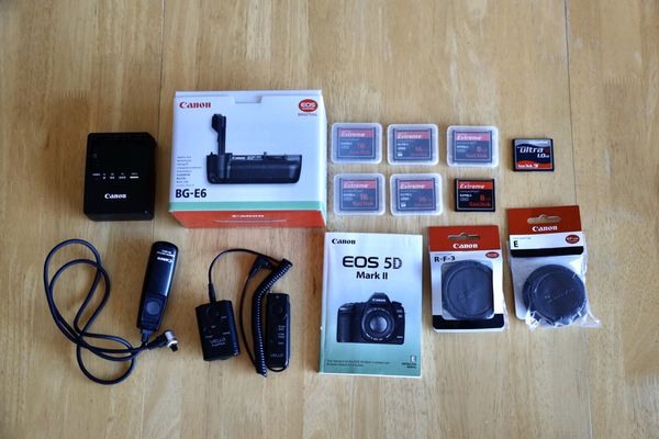 5D Mark ii body only with accessories