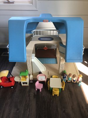 Little Tikes VINTAGE Dollhouse for Sale in Minneapolis, MN