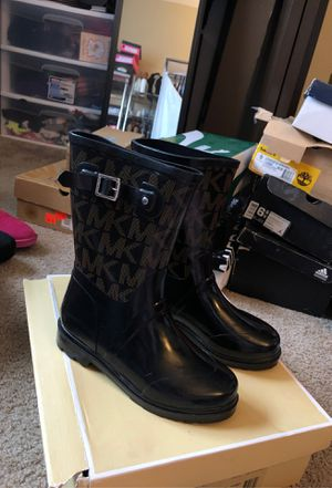 Michael Kors rain boots (women) for Sale in Pepper Pike, OH