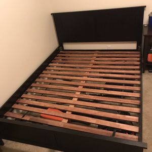 Queen Bed Wooden Frame Solid Oak for Sale in Seattle, WA