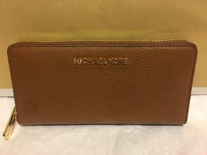 New Authentic Michael Kors Large Wallet ❤❤❤ for Sale in Lakewood, CA