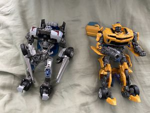 Hasbro Transformers Bumblebee and Sideswipe for Sale in Moreno Valley, CA