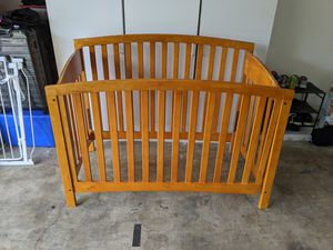 baby crib and day bed for Sale in Austin, TX