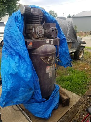 3 stage 220volt 80 gallon air compressor for Sale in Stoutsville, OH