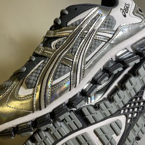 Shoe Asics Gel-Kayano 5 360 Size 10.5 Brand New for Sale in Forestville, MD