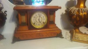 1902 seth thomas antique clock for Sale in Grandview, MO
