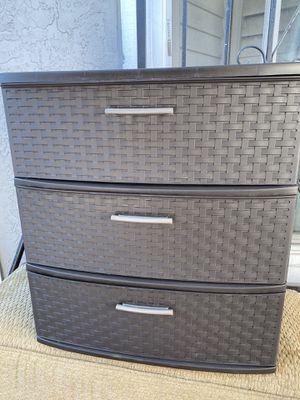 Plastic dresser for Sale in Vallejo, CA