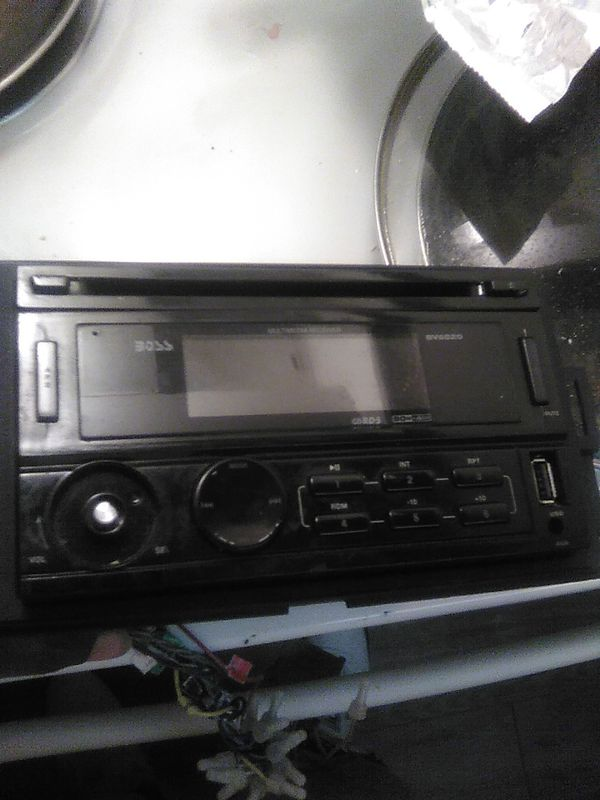 Boss CD player just missing the volume button but still works