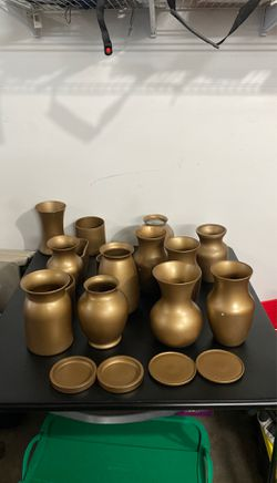 Various sized vases, gold for Sale in Fairfax,  VA