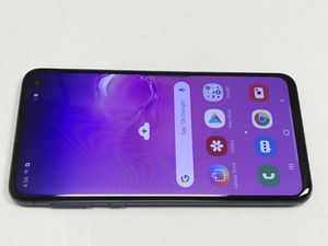 Unlocked Samsung Galaxy S10e 128gb, great condition. Works with Verizon, Tmobile, Metro, Att, Cricket and overseas. Comes with charger. Cash 490 Fi for Sale in San Francisco, CA