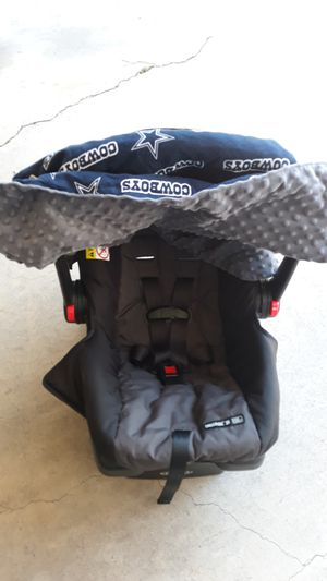 Baby car seat with cowboy cover for Sale in Fort Worth, TX