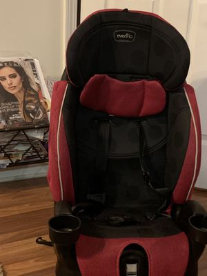 Pink and black evenflo car seat for Sale in Jackson, MS