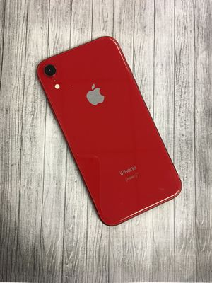 IPHONE XR 64gb unlocked each phone for Sale in Everett, MA