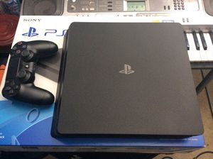 PS4 slim 1tb for Sale in Pomona, CA