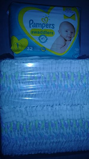 Size 1 luvs, pampers for Sale in Kerman, CA