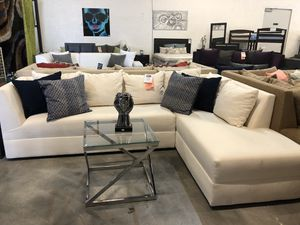 White 2PC Sectional Sofa 🏷 for Sale in Hialeah, FL