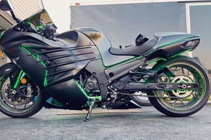 2K16 Kawasaki Ninja ZX14R ABS SE for Sale in Bridgeport, CT