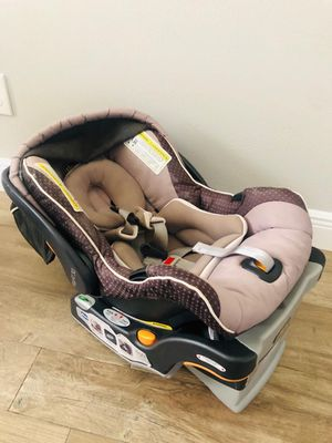 Chico Key Fit 30 Baby infant car seat with base for Sale in Katy, TX