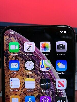IPhone xs for Sale in Lincoln, NE