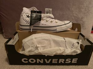 Converse Crochet White Limited Edition for Sale in Lithonia, GA
