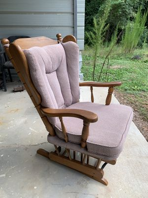 Glider rocking chair for Sale in Middlesex, NC