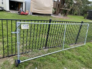 10' drive gate 4' tall for Sale in Port St. Lucie, FL