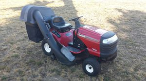CRAFTSMAN LAWN TRACTOR MOWER BAGGER LT2000 for Sale in Puyallup, WA