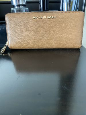 Michael Kors Wallet for Sale in Sacramento, CA