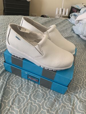 Medical Cherokee work shoes size 6.5 for Sale in Corona, CA