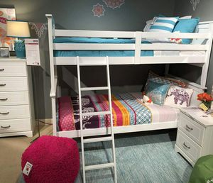 Twin size Bunk bed 2 FREE MATTRESS for Sale in Las Vegas, NV