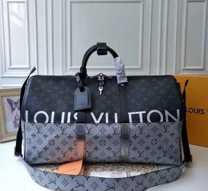 Duffle bag for Sale in Des Plaines, IL