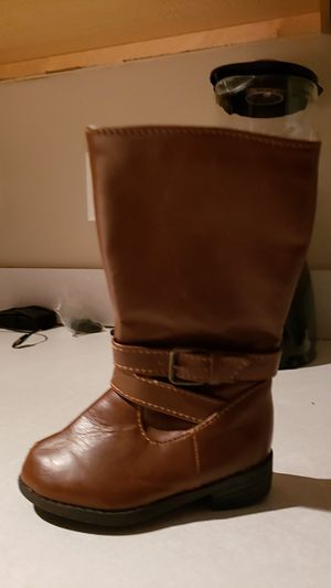 Size 5c girl boots for Sale in Charlotte, NC