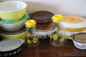 Pyrex sets and casserole Dishes. Pyrex Casserole Dishes and Mixing Bowls. Vintage Pyrex Dishes. for Sale in Riverside, CA