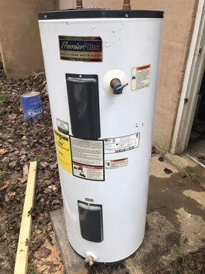 Water heater for Sale in Herndon, VA