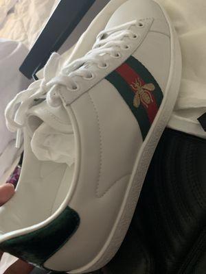 Gucci shoes size 9 unisex for Sale in Glendale, AZ