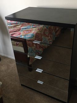 Mirrored 5-Drawer Chest for Sale in Los Angeles,  CA