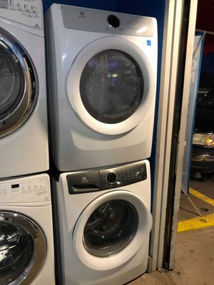 New Electrolux washer and dryer for Sale in Corona, CA
