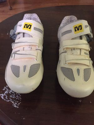 Size 7.5 cycling shoes for Sale in Columbus, OH