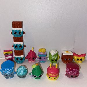 Season 10 {Medallion Shopkins} for Sale in Portland, OR