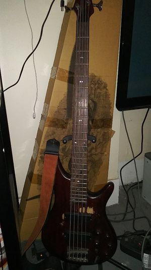 Ibanez sr505 bass with hard case (not pictured) for Sale in Detroit, MI
